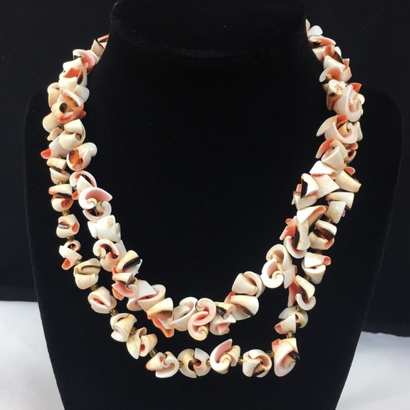Vintage Jewelry - Pair of Curly Shell Luhuanus Beaded Necklaces